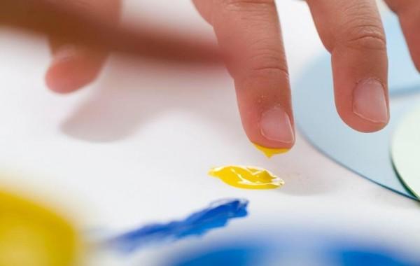 Бои за рисуване с пръсти: проверете креативността на вашето дете!